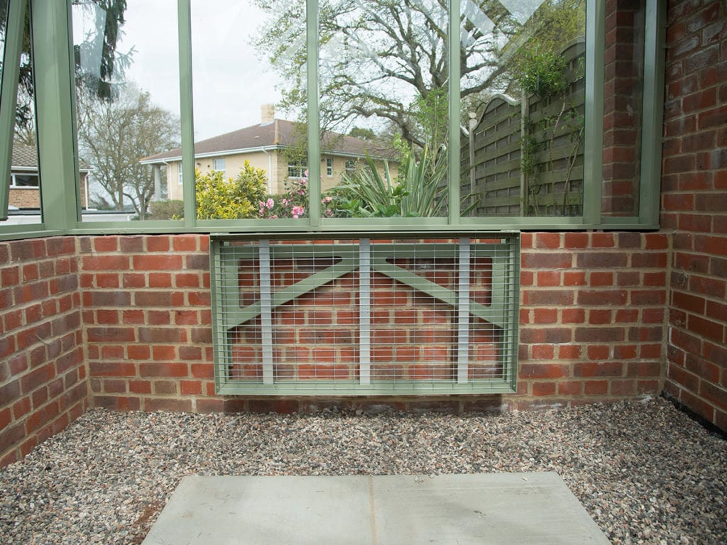 Folding greenhouse bench